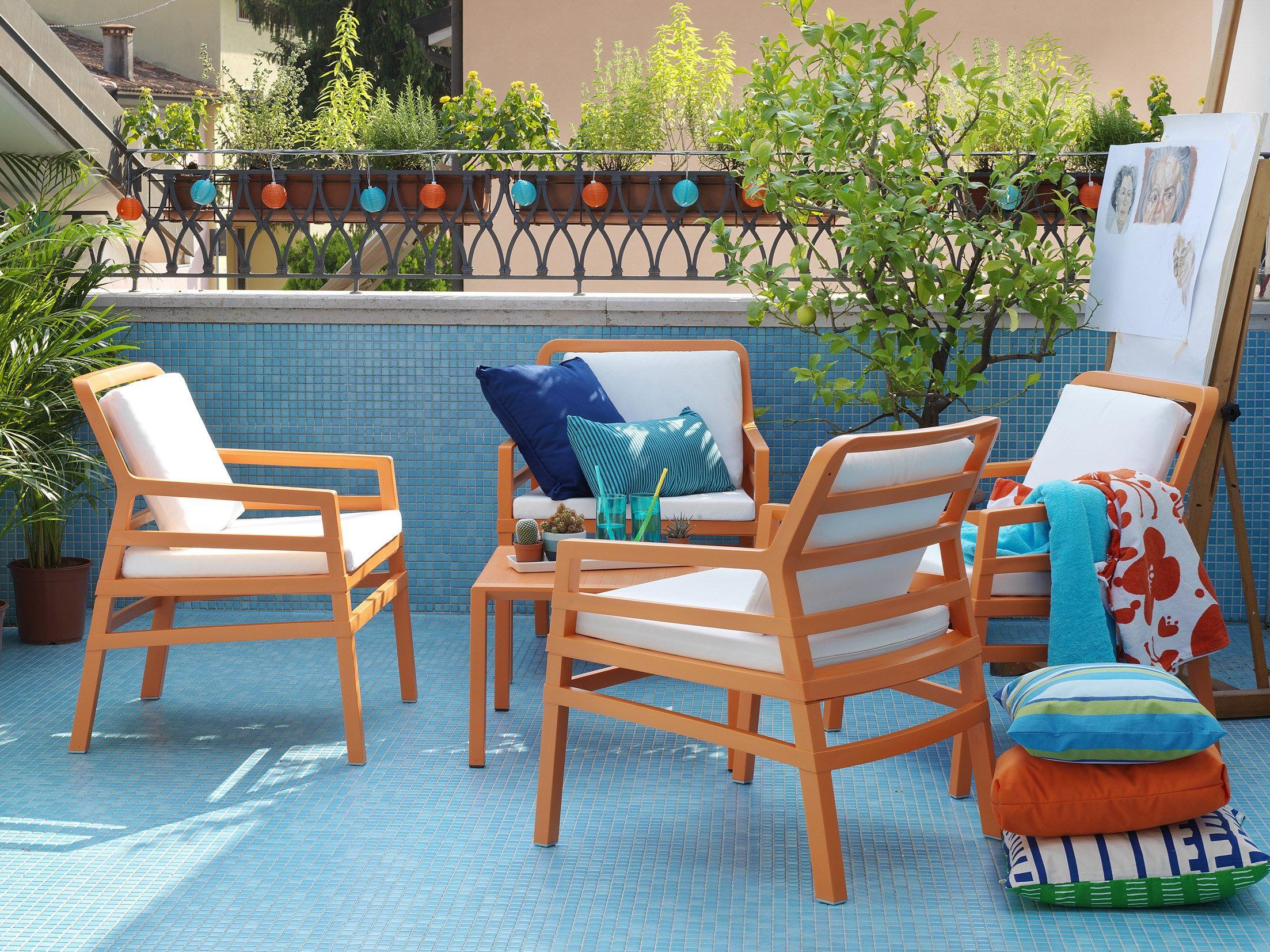 Mesas y sillas de exterior flores castillon for Mesas y sillas para exterior