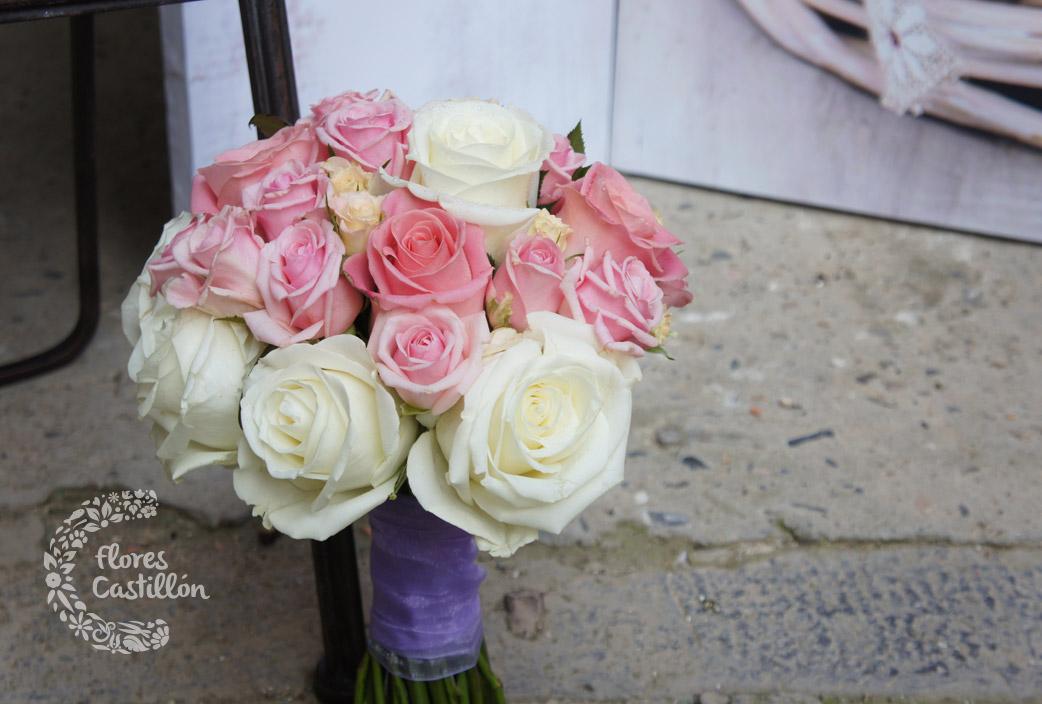 ramo-de-novia-redondo-con-rosas