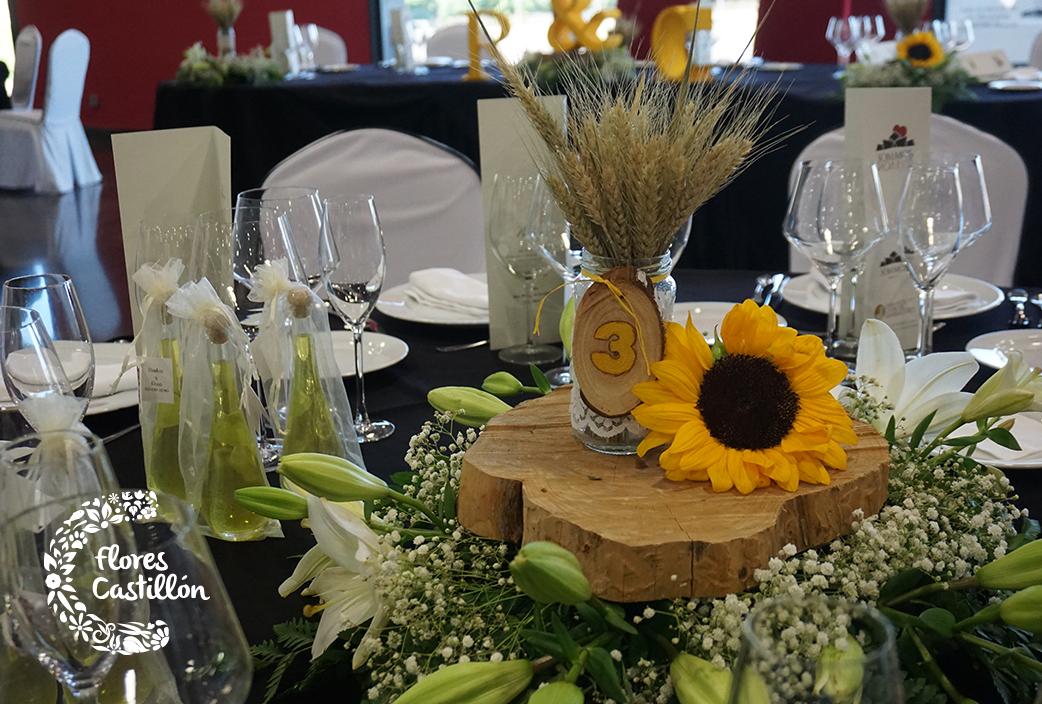 La boda campestre de rosa y carlos flores castillon for Centro de mesa boda campestre