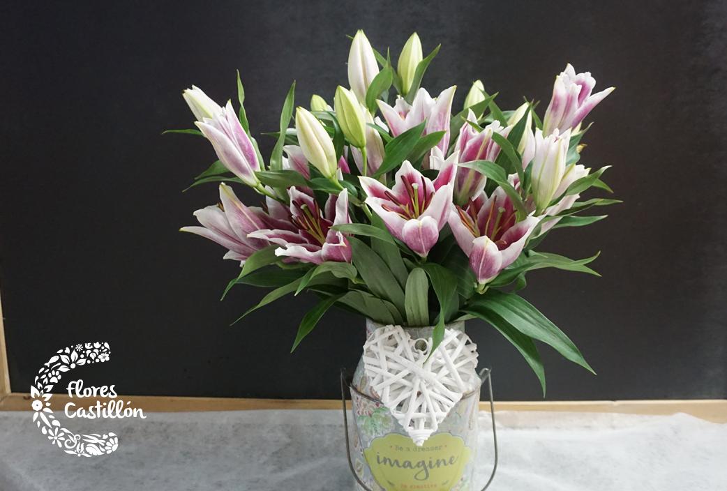centro-de-flores-de-lilium-oriental