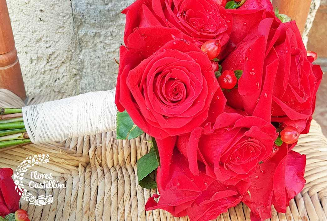 ramo de rosas para una boda
